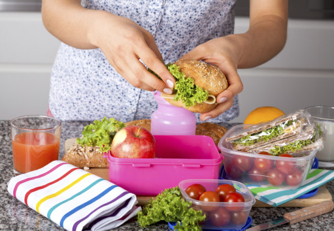 packing-lunches-iStock_000033191216_Large-650x450.jpg