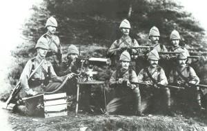 Një mitraloz britanik Maxim që mori pjesë në Ekspeditën Ndihmuese Chitral më 1895. Foto pa të drejtë autori.