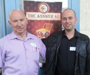 עדי פרבר עם ארז מלמד, מפיק כנס המעז מנצח