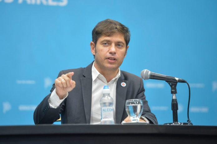 El gobernador Axel Kicillof respaldó este martes la estrategia del Gobierno de aislar en hoteles a quienes regresan del exterior