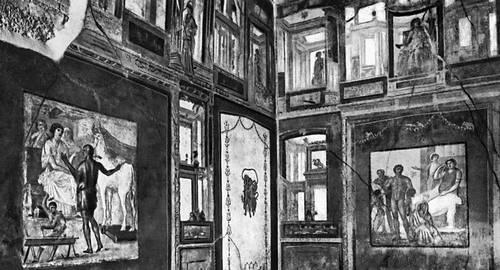 Комната дома Веттиев в Помпеях с росписью IV помпейского стиля и мифологическими сценами. Древний Рим. 63—79 гг.