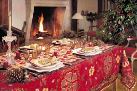 toalha-para-mesa-de-ceia-de-natal-1024x682