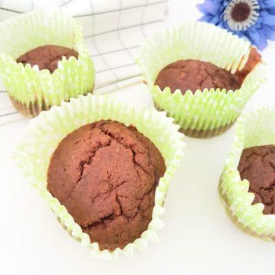 Muffins cacau e avelãs, sem glúten