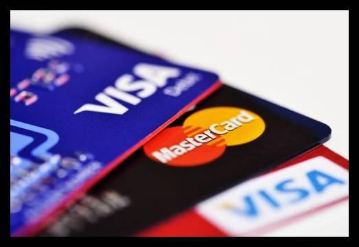 O que é melhor ter em mãos Cartão de crédito ou débito