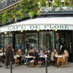 Bữa sáng ở Paris: Tờ báo, tách café và những chiếc bánh quy bơ