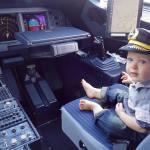 Mẹo đi máy bay với trẻ nhỏ