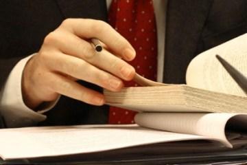 Cách tìm luật sư giỏi tại Hà Nội