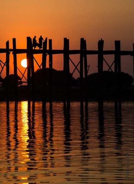 Coucher de soleil sur U Bein's Bridge