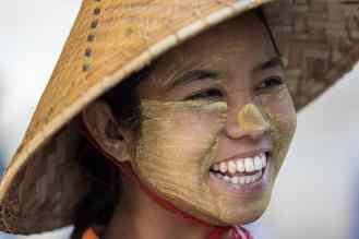 Expo femmes & enfants birmans-15