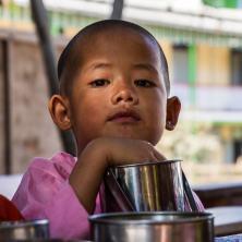 Expo femmes & enfants birmans-3