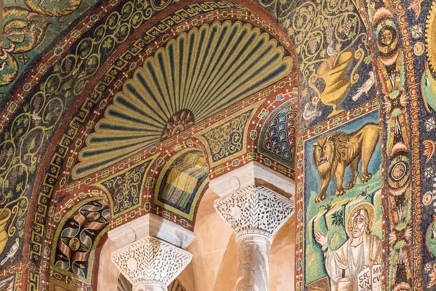 détail de mosaïques et chapiteaux - San Vitale