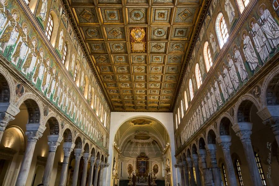 la nef de la Basilique de Sant'Apollinare Nuovo
