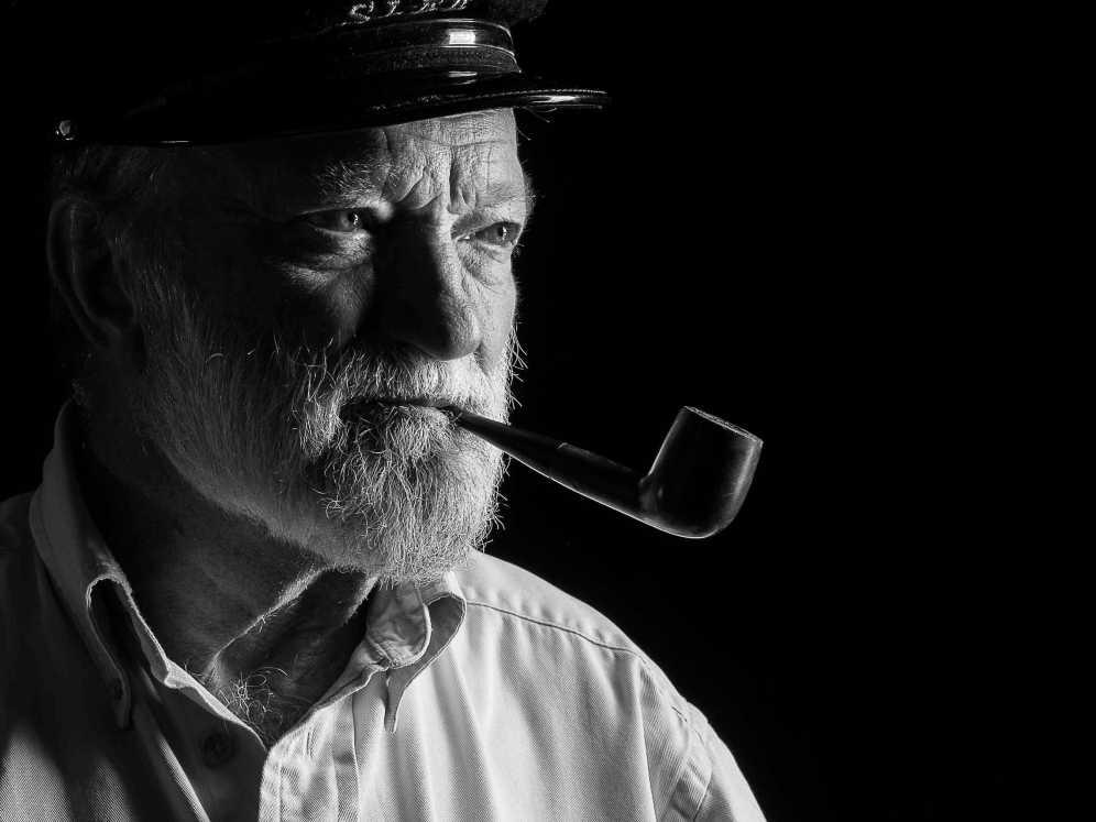 Portrait d'un marin buriné par les embruns