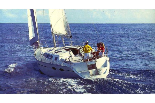 1991 43 HUNTER 43 LEGEND In San Diego California Sailing