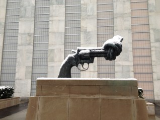 This is the famous present to the UN by Luxembourg showing a gun with a knot - a sign for the UN's task to create peace and security instead of fighting