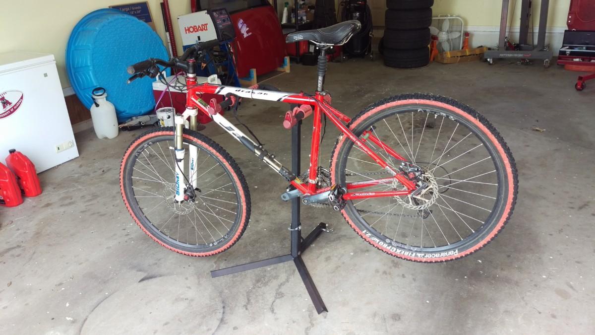 diy bike stand from harbor freight bike