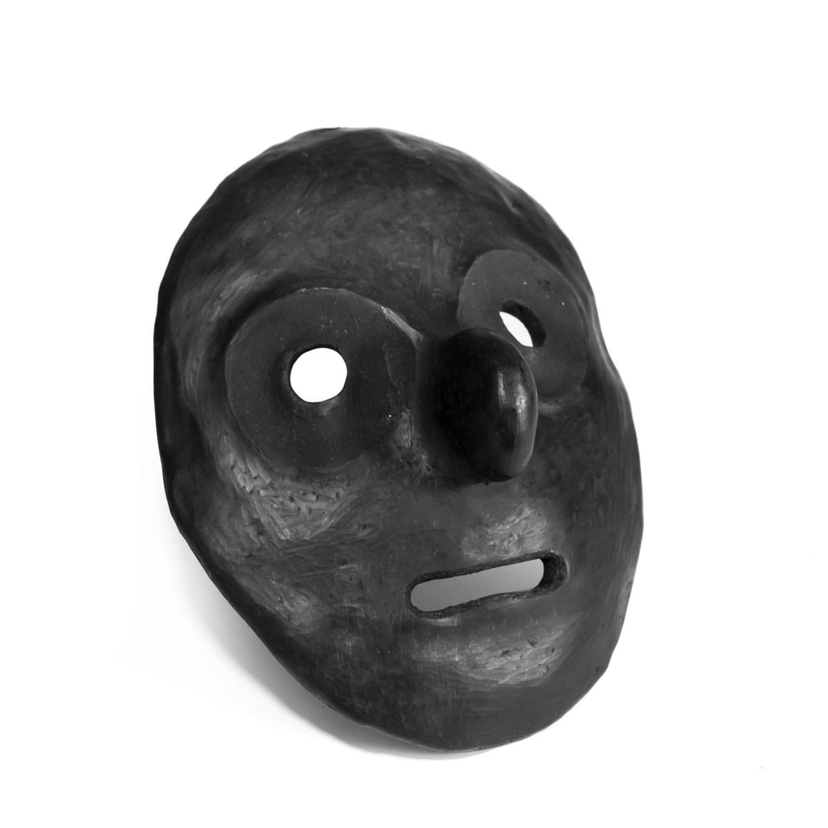 Mascara en cerámica de media modelada a mano