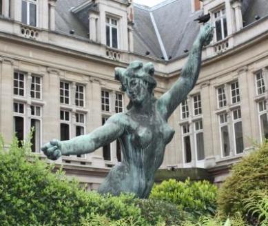 statue érotique Déesse du Bocq