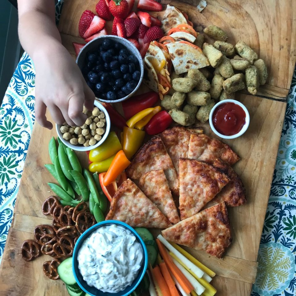 _2515_Green Giant Snack Board with Didnt I Just Feed You Podcast.jpg