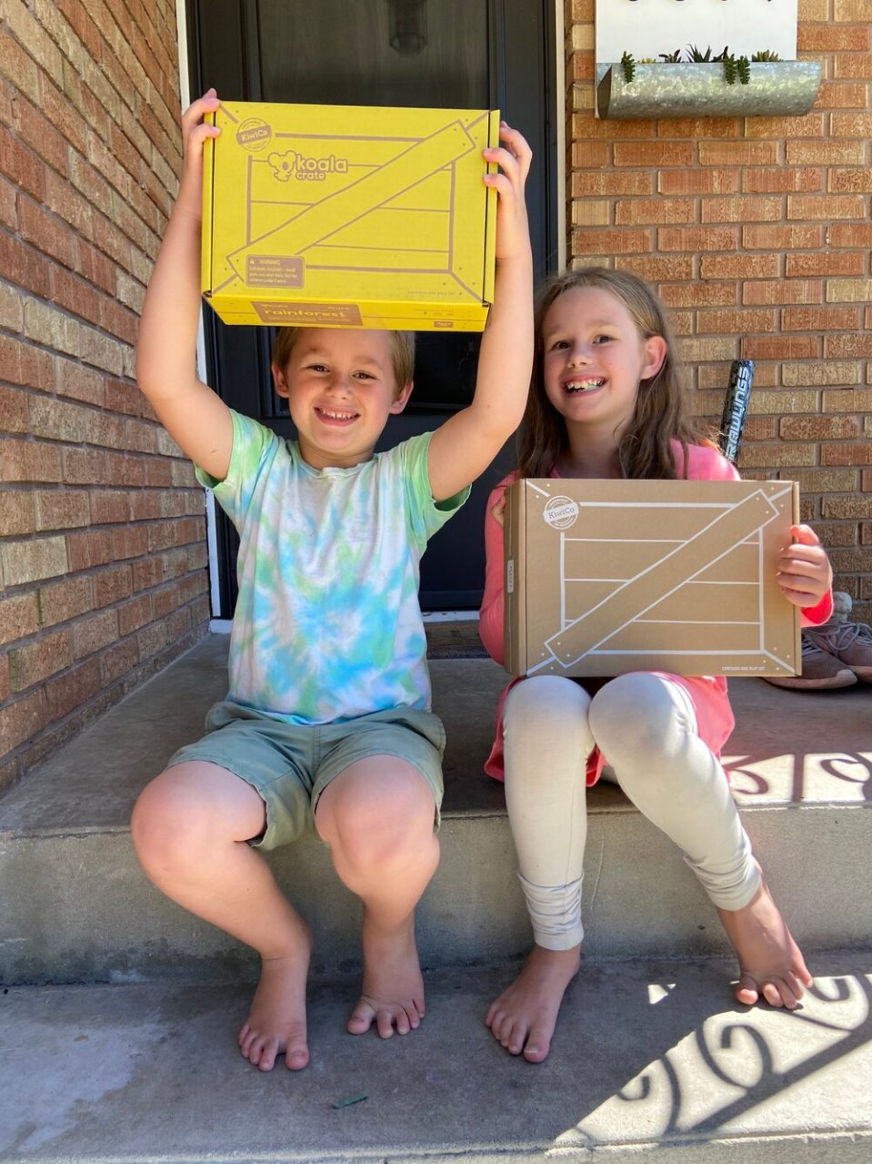 Get an exclusive DIJFY discount on KiwiCo Crates: Keep kids busy this summer knowing that they're doing something fun and learning too!