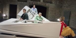 Am schwarzen See - Aufführung Theater Detmold 2014