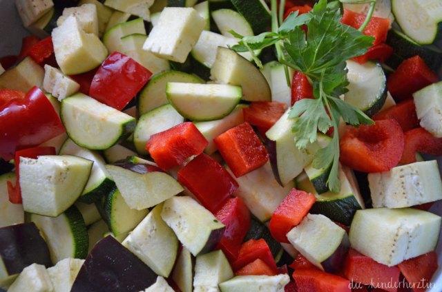 Ratatouille Zutaten geschnittenes Gemüse