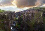 August: Fjaðrárgljúfur