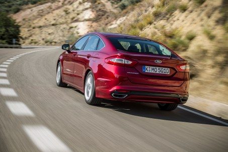FordMondeo-5Door_12