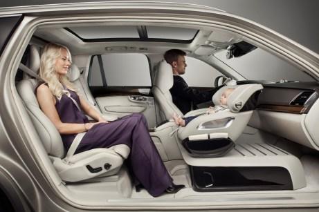 Mit dem Excellence Child Seat Concept präsentiert Volvo 2016 einen drehbaren Kindersitz für einen besonders sicheren und komfortablen Transport. © Volvo