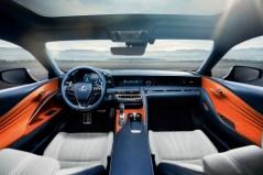 Der Innenraum des Lexus LC gleicht einer Wellness-Oase. © Lexus