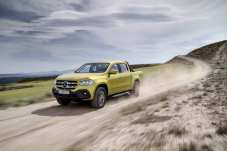 Mercedes-Benz X-Klasse – Exterieur, black-to-yellow metallic, Ausstattungslinie PROGRESSIVE // Mercedes-Benz X-Class – Exterior, black-to-yellow metallic, design and equipment line PROGRESSIVE