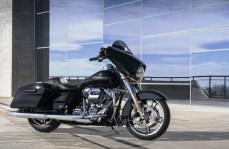 Die Basisversionen der Road Glide und Street Glide (Foto) sind nun auch in Europa erhältlich. © Harley-Davidson