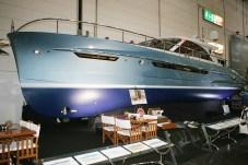 Serious Yachts begeistert durch wunderschönes Design und echten Luxus. Die Preise für eine voll ausgestattete Yacht bewegen sich hier bei rund 1,7 Millionen Euro. © Bernhard Schoke / mid
