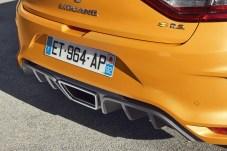 Auffällige Heckpartie: Der Diffusor und die mittigen Auspuff-Endrohre signalisieren reichlich Kraft. © Renault