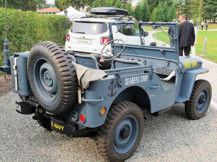 Reservekanister und Ersatzrad hatte der Jeep MB grundsätzlich am Heck.