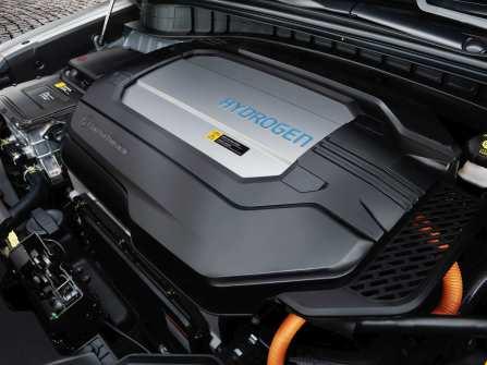 Die Brennstoffzellentechnologie wurde für den Nexo umfassend weiterentwickelt. Das System ist kleiner, leichter und leistungsfähiger, verfügt über eine verbesserte Luftzufuhr und kurze Tankzeiten. Foto: Auto-Medienportal.Net/Hyundai