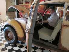 Auch vom Beifahrer-Sitz aus lässt sich die Fronthaube bewegen