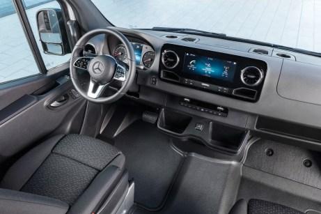 Die Stuttgarter bieten im Innenraum die typische Wertanmutung eines Mercedes-Benz, was sich vor allem im Cockpit zeigt. Foto: Mercedes
