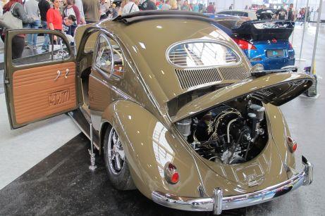Chrom und Hochglanz-Lack am 56er VW Käfer Ovali aus den USA.