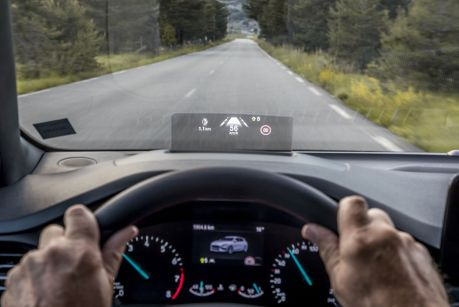 Erstmals optional erhältlich: ein Head-up-Display. Foto: Ford