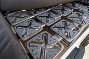 Die Betten beider Versionen sind mit einer 80 mm starken Matratze ausgestattet, welche auf ergonomischen Federelementen liegt. Foto: Volkswagen