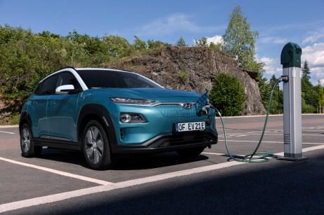 In 54 Minuten ist der Stromspeicher an einer 100-kW-Schnellladestation wieder zu 80 Prozent voll. © Hyundai