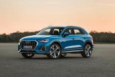 Der große Kühlergrill mit den für Q-Modelle typischen acht Ecken dominiert die Front. © Audi