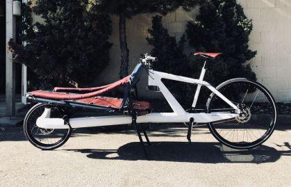Der Veleosled ist ein wahres Leichtgewicht. Mit einem Vollcarbon-Rahmen wiegt er nur sieben Kilo, ist damit angeblich das weltweit leichteste Transportrad und verkraftet trotzdem eine Nutzlast von 200 Kilo. Foto: Auto-Medienportal.Net/Coh & Co