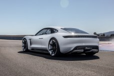 """Mission E: Porsches erster Elektro-Sportler heißt """"Taycan"""". © Porsche/mid"""