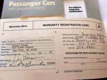 Der Mercedes-Benz 560 SL Cabriolet von Donald Trump und der Kaufvertrag dazu. Foto: Auto-Medienportal.Net/Hans-Robert Richarz