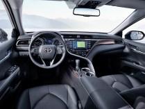 Die jüngste Generation der meistverkauften Mittelklasselimousine der Welt gibt auf dem Pariser Autosalon als Hybrid ihr Europadebüt. Foto: Auto-Medienportal.Net/Toyota