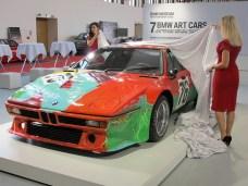 Wirklich von Hand bemalt ist das BMW Art Car von Andy Warhol.