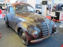 Unrestauriert und erstaunlich gut erhalten ist der Hanomag aus dem II. Weltkrieg.