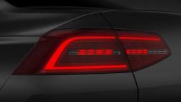 ...bei dem abwechselnd das Brems- und Rücklicht aufleuchtet, um eine höhere Aufmerksamkeit zu erzeugen. Foto: VW